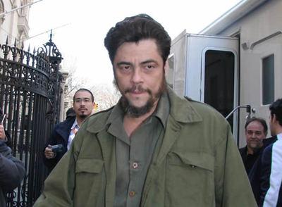 Benicio del Toro, confundido con un terrorista