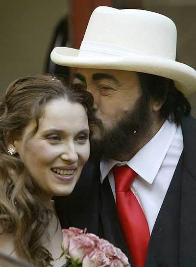 La viuda de pavarotti padece esclerosis actualidad el pa s for Luciano pavarotti nicoletta mantovani