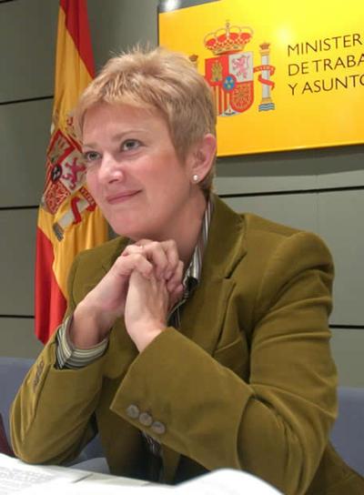 "Consuelo Rumí: ""Rajoy intenta imitar a Sarkozy pero se acerca más a Le Pen"""