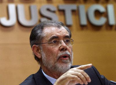 El ministro de Justicia, Mariano Fernández Bermejo, en la rueda de prensa de hoy.