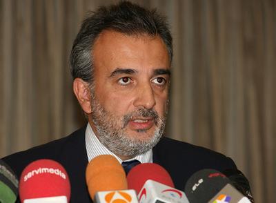 Sergio Allart, director comercial de Spainair, durante la rueda de prensa de hoy.