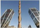 Al Obelisco de Calatrava le falta sólo la mitad