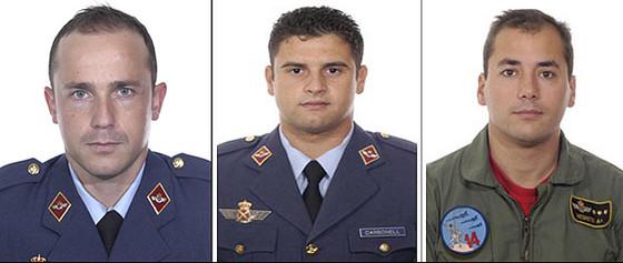 El teniente Roberto Carlos Álvarez Cubillas, el capitán Jerónimo José Carbonell Rodríguez y el capitán Fernando Negrete Usón