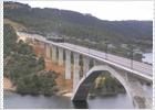 Prueba de carga con trenes en el viaducto de Contreras