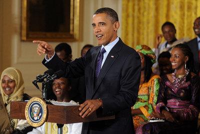 Barack Obama pronuncia un discurso durante el foro de líderes africanos en el Salón Este de la Casa Blanca.