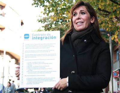 La candidata del PP catalán ha mostrado hoy en Santa Coloma una propuesta calcada a la que realizó Rajoy en 2008.
