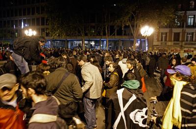 Manifestación de internautas en defensa de los derechos fundamentales en Internet, frente a la sede del ministerio de Cultura en Madrid, el 4 de diciembre de 2009.