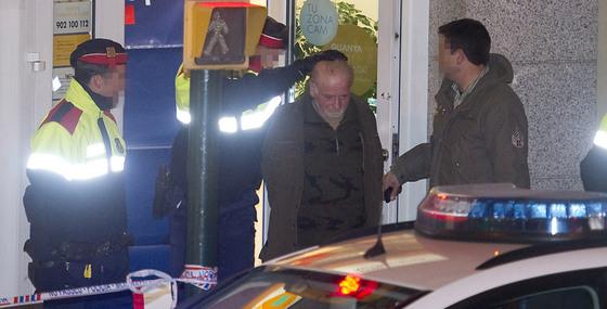 El homicida de cuatro personas en olot iba a ser despedido for Albanil barcelona