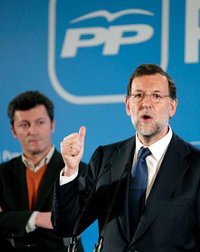 El presidente del PP, Mariano Rajoy, durante la rueda de prensa tras la reunión que hoy ha mantenido en Pamplona el Comité de Dirección del PP.