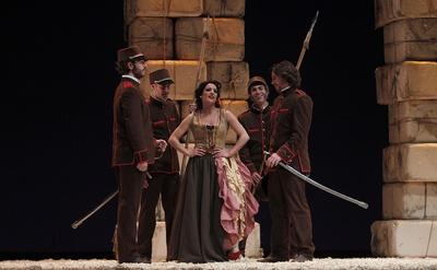 Ensayo de  Carmen , de Bizet, por Teatro Clásico de Sevilla, en el teatro Lope de Vega de la ciudad. La ópera está basada en el libro de Mérimée.