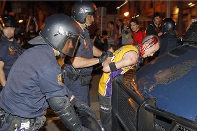 Un herido en los disturbios de la manifestación de Madrid.