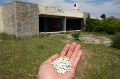 La antigua base militar de Estados Unidos en Torroella de Montgrí usada como campo de batalla para los amantes del  paintball