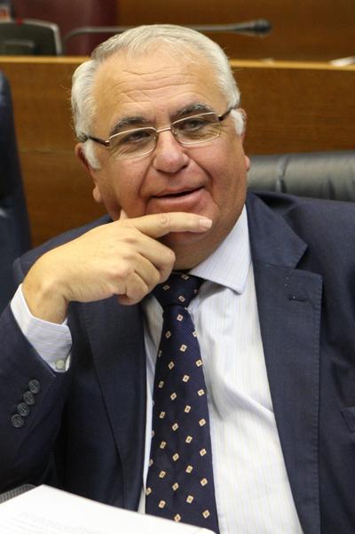 Juan Cotino sustituye a Milagrosa Martínez en la presidencia de la cámara autonómica.