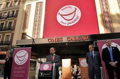 El delegado de Economía, Empleo y Participación Ciudadana, Miguel Ángel Villanueva, durante la presentación de la campaña  Sonríe, eres ¡Madrid! .