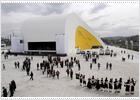 Niemeyer se opone a la suspensión temporal de su centro en Avilés