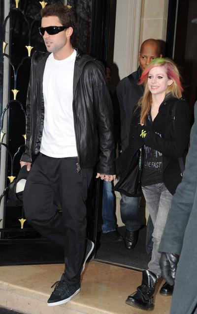 Avril Lavigne y su novio, Brody Jenner, en una imagen de febrero de 2011