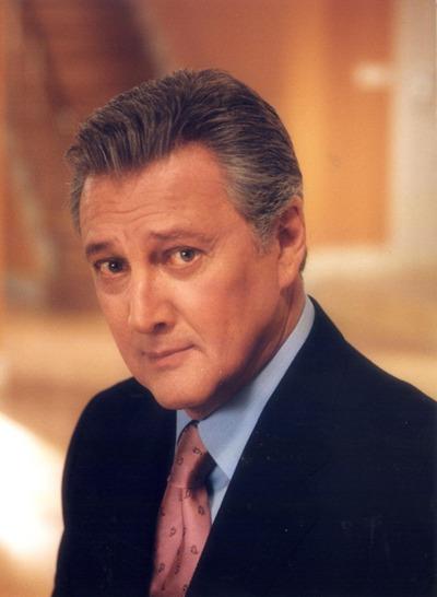 Carlos Larrañaga, en la serie de televisión  Un hombre solo , de TVE.
