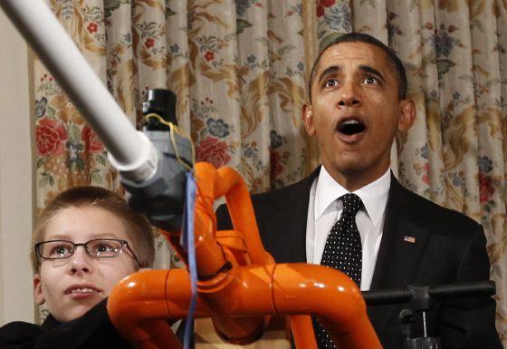 El presidente Obama durante la feria científica celebrada en la Casa Blanca.rn