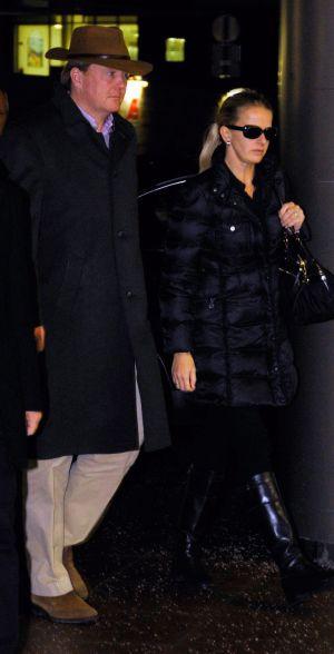 El príncipe Guillermo de Holanda y la princesa Mabel al llegar al Hospital Universitario de Innsbruck (Austria).