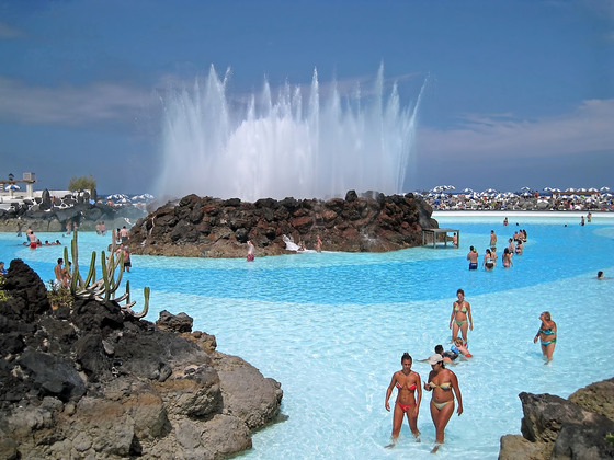 Chapuzones celestiales ii 20 piscinas alucinantes en for Piscina la ballena tenerife