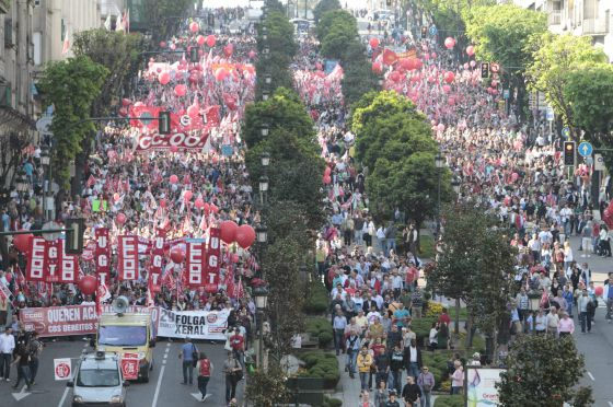 A demonstration called for today in the streets of Vigo by the UGT and CCOO labor unions.