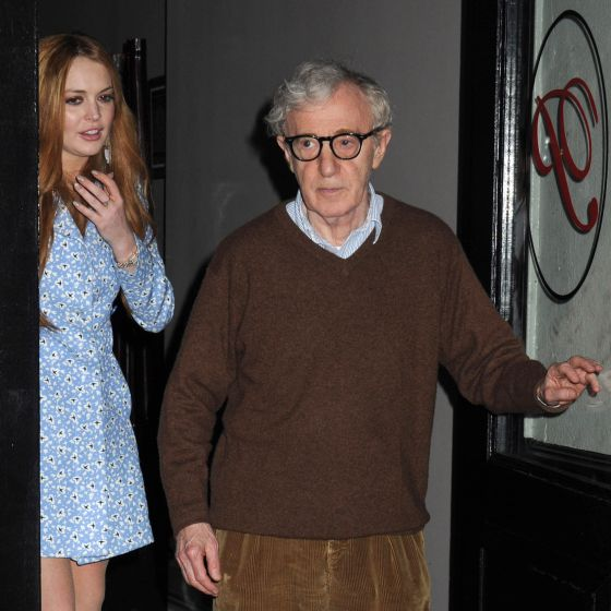 Lindsay Lohan y Woody Allen, saliendo de un restaurante de Manhattan.
