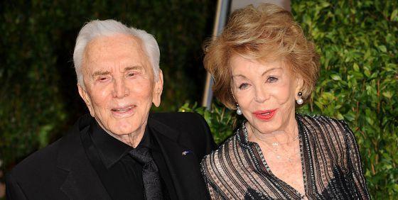 Kirk Douglas, con su esposa Anne.