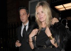 Kate Moss sale de su refugio por una buena causa