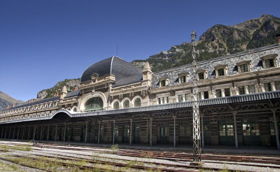 The old platform at the Canfranc railway station.