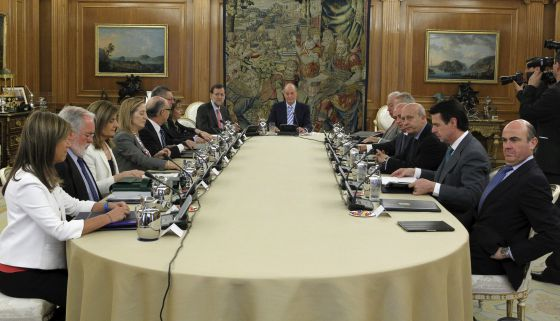 King Juan Carlos presides Friday's Cabinet meeting, which approved the biggest belt-tightening initiative since the return to democracy.