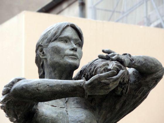 Escultura de La Valnurese de la artista frances, Elisabeth Cibot