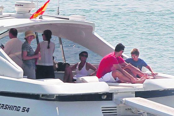 La imagen de la que se nos ha privado este verano: los duques de Palma navegando por Mallorca en julio de 2011.