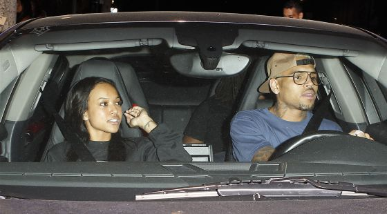 Chris Brown, con su actual pareja.