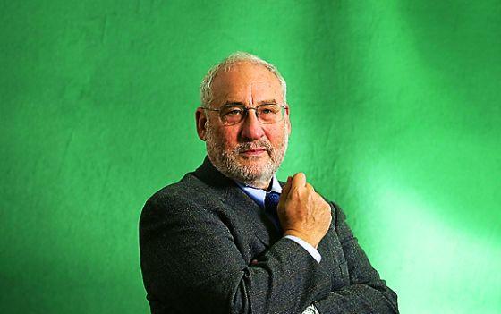 """Joseph Stiglitz: """"Un dólar un voto expresa el fracaso de la democracia"""""""