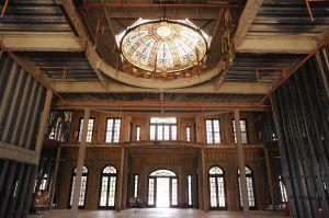 Interior de la mansión Versalles a medio construir.