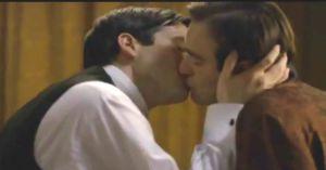 Escena de Downton Abbey censurada en la televisión griega.
