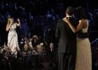 Beyoncé, a favor de Barack Obama hasta en las orejas