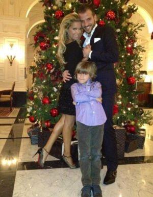 Una foto con su mujer y su hijo que Rafael Van der Vaart colgó en Navidad.