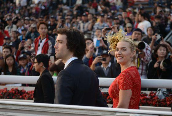 Ned Rocknroll y su esposa, Kate Winslet, en Hong Kong.