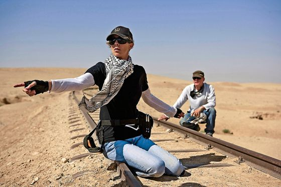 La cineasta Kathryn Bigelow, durante el rodaje de 'En tierra hostil'