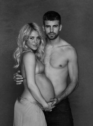 Gerard Piqué y Shakira, desnudos para UNICEF.