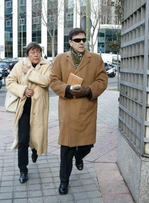 Eufemiano Fuentes, a la salida de los juzgados de Madrid, a los que acude como principal acusado por la Operación Puerto.