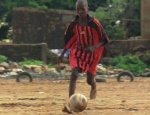 Fotograma de una escena rodada en Mali de la película 'Diamantes negros'.