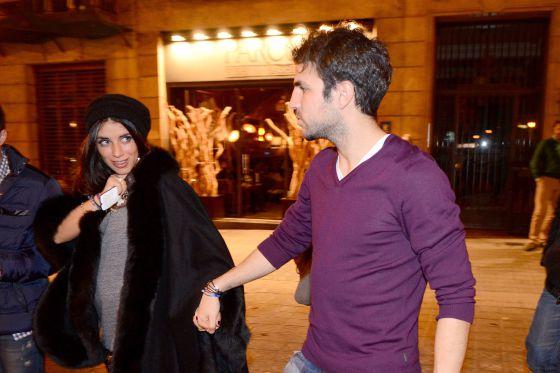 Cesc, con su novia Daniella.