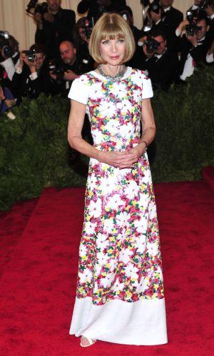 Anna Wintour con un vestido de Chanel.