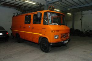 Kamphuis' distinctive orange van.