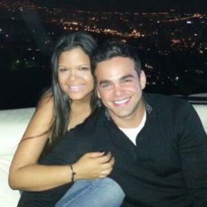 Maria Gabriela Chavez con su novio 'Coco' Sosa, en una foto que subió a Twitter.
