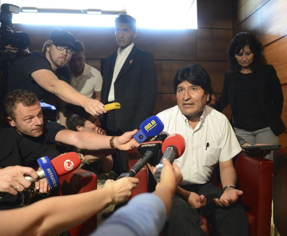 Bolivian President Evo Morales talks to journalists on July 3, 2013 at the airport of Schwechat, near Vienna.