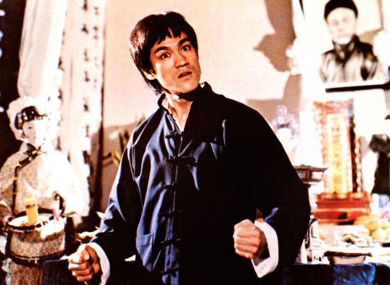 Bruce Lee resucita con resaca