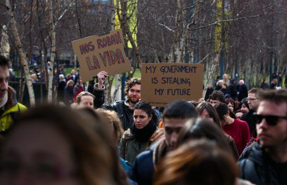 Imagen de la manifestación de expatriados organizada en Londres el 7 de abril con el lema 'No nos vamos, nos echan'
